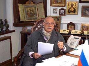 Михалков прошелся по Познеру в новом выпуске Бесогона