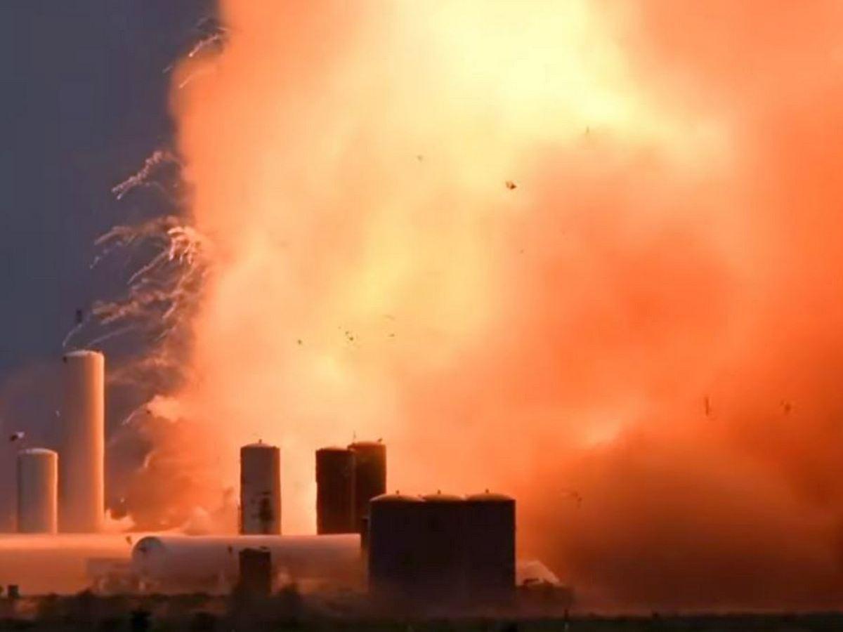 Видео взрыва корабля Илона Маска