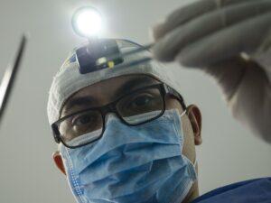 Минздрав впервые озвучил число медиков, умерших от COVID-19