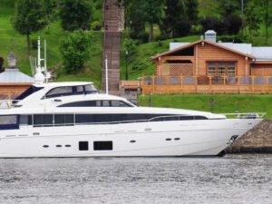Предполагаемая яхта Медведева