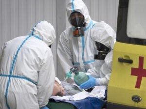 Количество смертей от COVID-19 в РФ за сутки достигло антирекорда