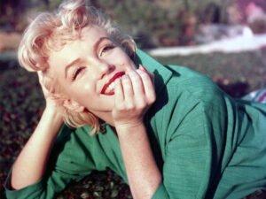 Полуобнаженное фото Мэрилин Монро выставили на аукцион