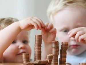 У ПФР снова проблемы с детским пособием в 10 000