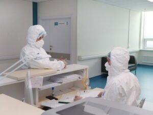 Медики назвали новый первый симптом коронавируса