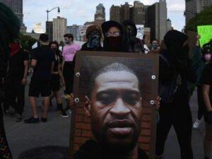 Убитый полицейскими афроамериканец болел коронавирусом