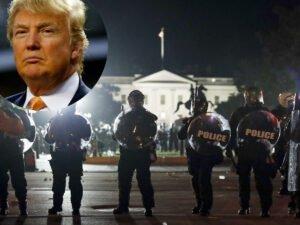 Трамп спрятался в бункере во время протестов у Белого дома