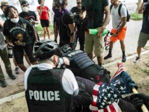 Полицейские вСШАснова убили безоружного американца