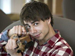 Александр Рыбак рассказал о самоуничтожении таблетками