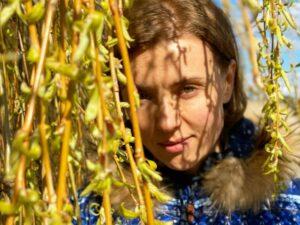 Ксения Алферова впервые записала видео с дочерью-подростком