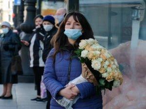врач назвал маски ненужными на улице