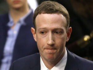 Сотрудники Facebook устроили протест против Цукерберга