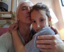 12-летняя дочь Дмитрия Хворостовского спела для интернет-пользователей