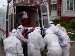 В России выявили 8831 новый случай COVID-19