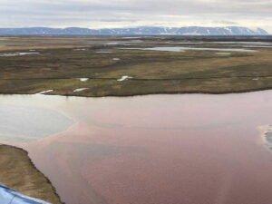 Разлив нефтепродуктов в Норильске показали из космоса