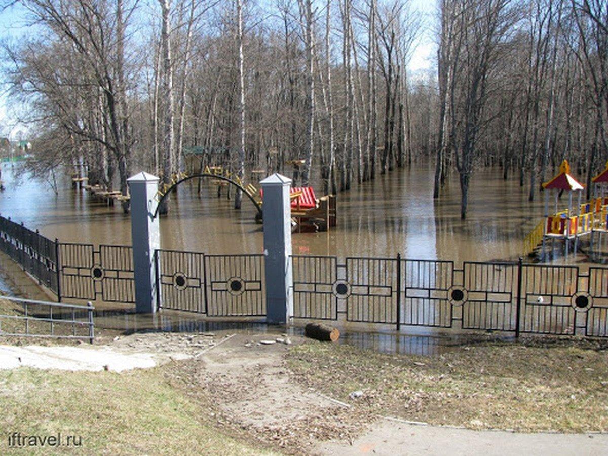 Из-за обильных осадков затопило центр Тамбова